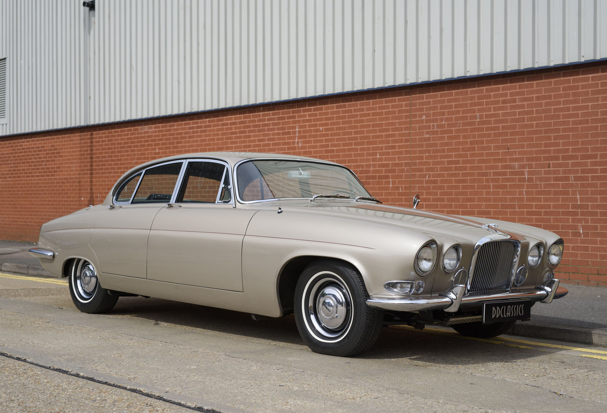 1965 Jaguar Mk X 4.2 For Sale (picture 2 of 24)