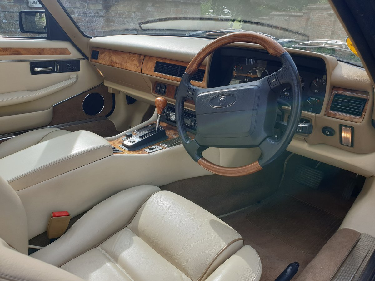 1995 Jaguar XJS 4.0 Celebration 1 owner from new  For Sale (picture 4 of 6)