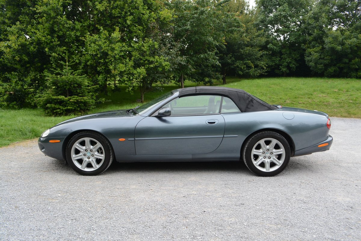 1997 Jaguar XK8 4.0 Convertible  For Sale (picture 2 of 6)