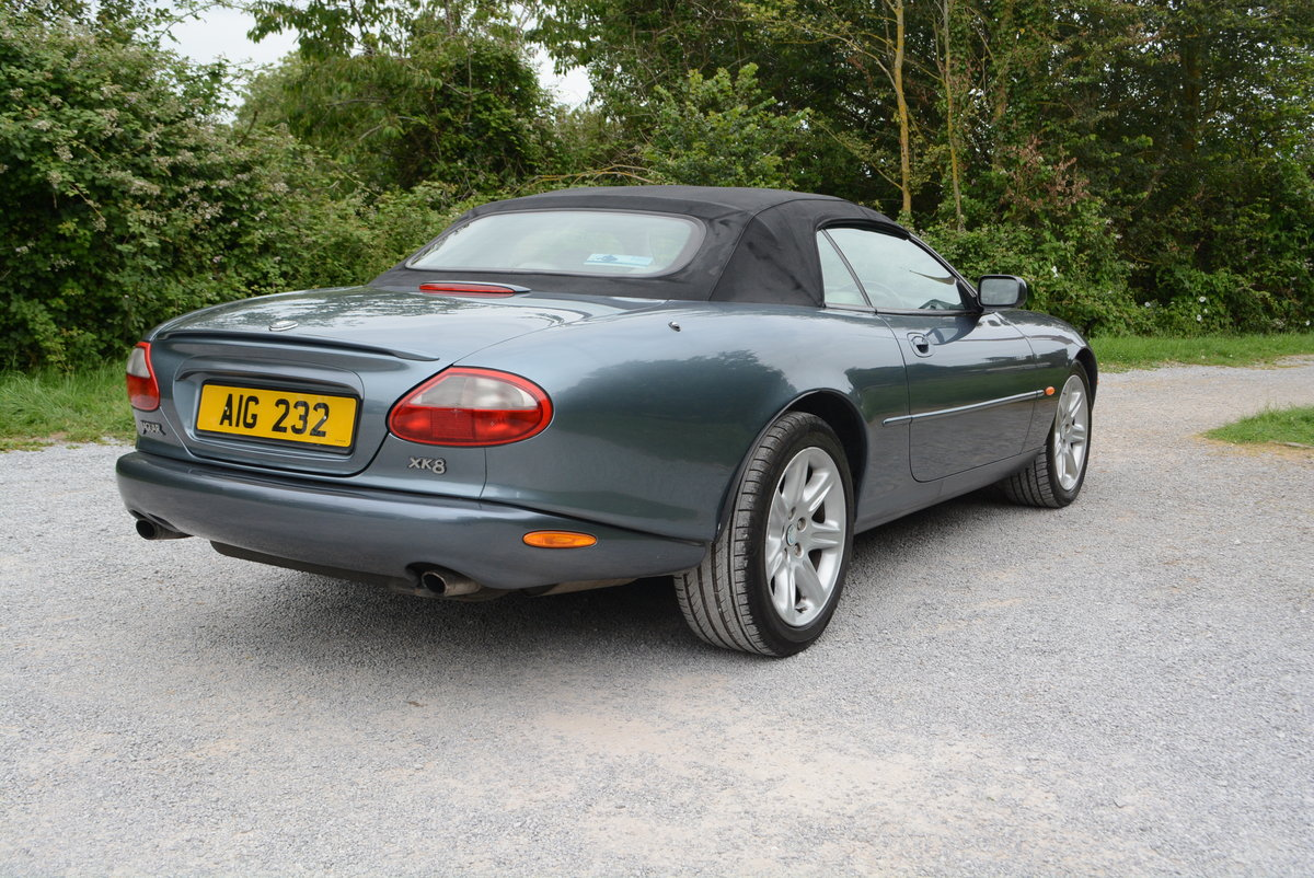 1997 Jaguar XK8 4.0 Convertible  For Sale (picture 3 of 6)