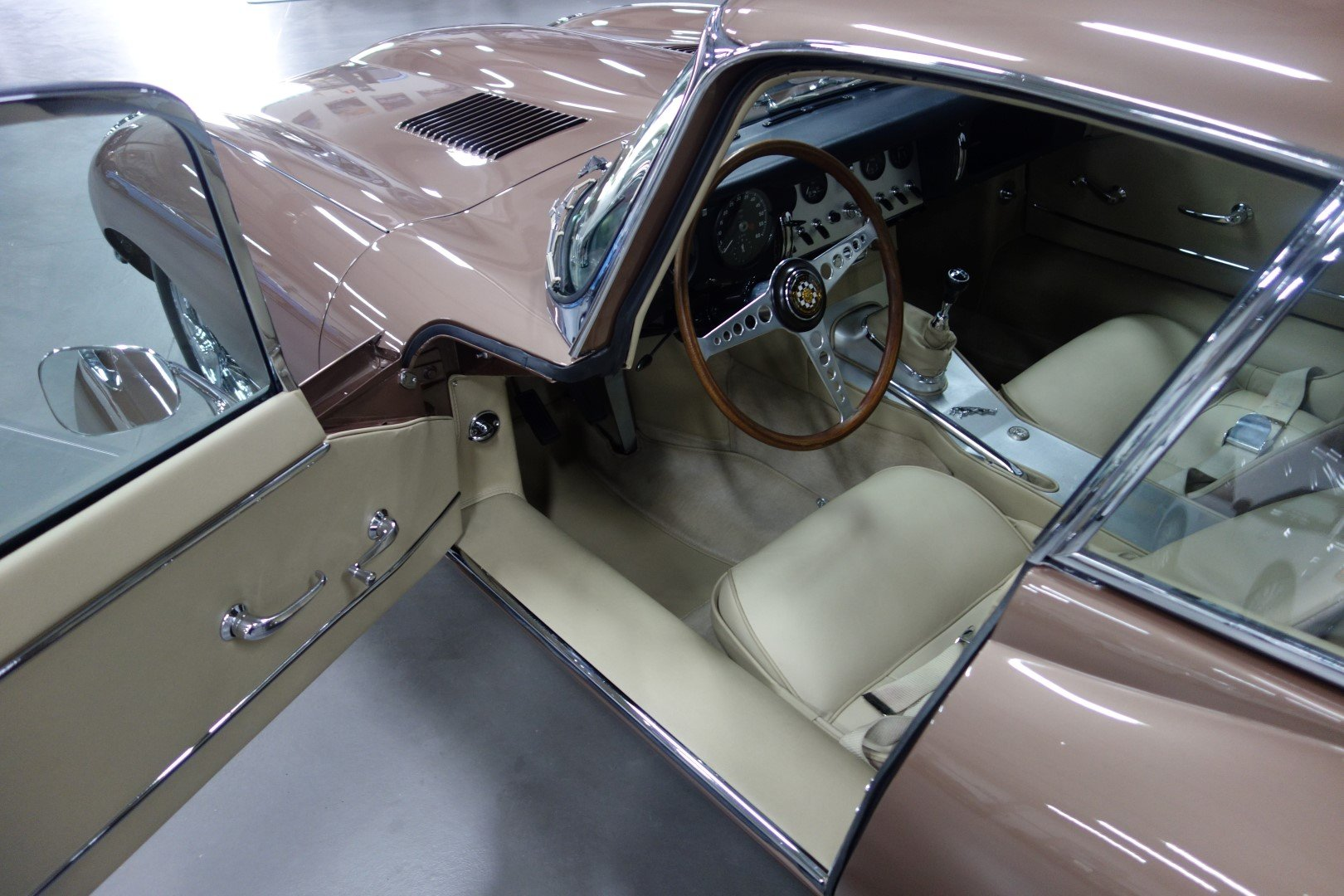 1963 Jaguar E-Type Series 1 3.8  Coupe For Sale (picture 4 of 6)