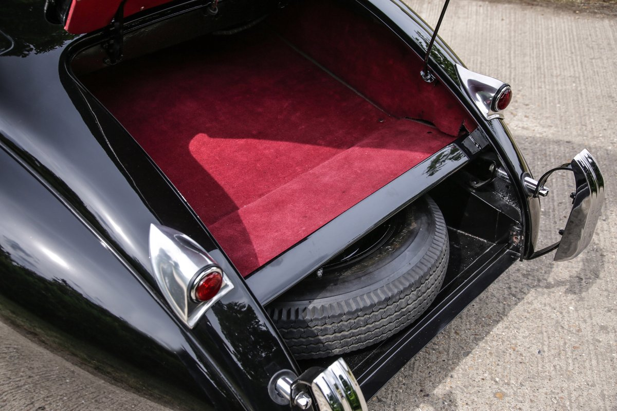 1963 Jaguar XK120 Roadster For Sale (picture 9 of 17)