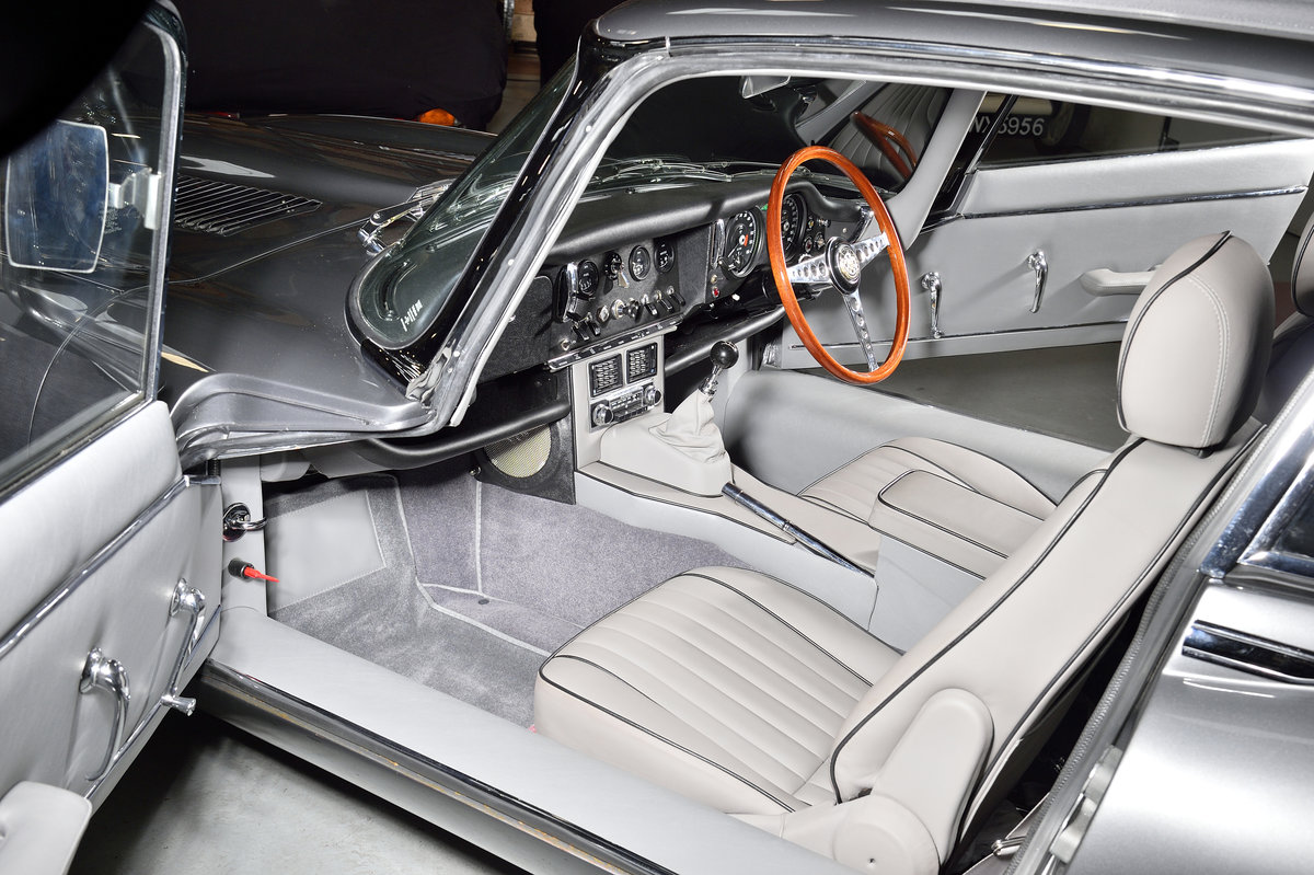 Very low mileage - stunning 1967 E-type For Sale (picture 4 of 6)