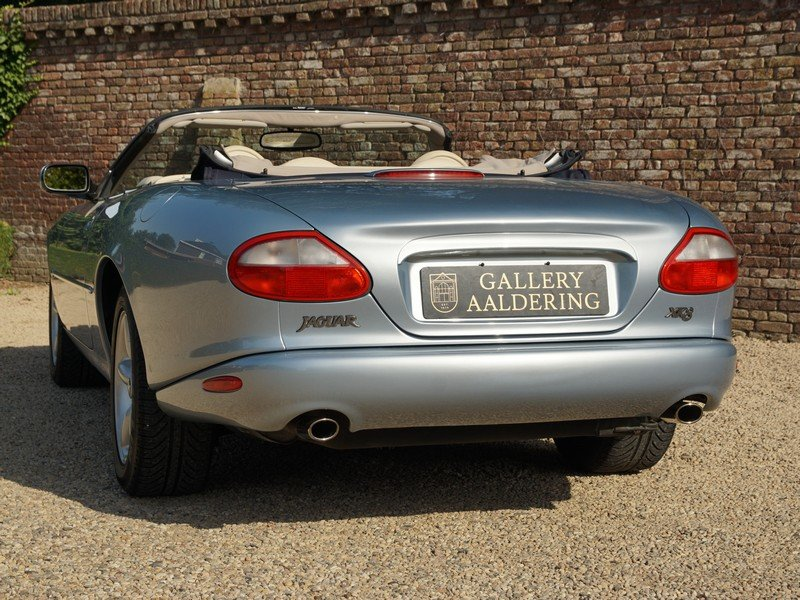 Jaguar XK8 Convertible 36,125 miles from new For Sale (picture 6 of 6)
