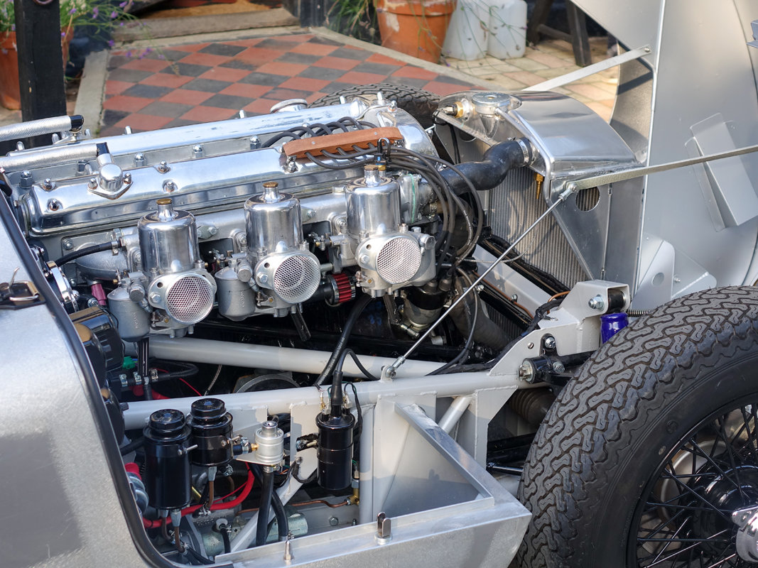 1953 Aluminium Suffolk C-type Jaguar with 4.2 fuel injection  For Sale (picture 5 of 6)