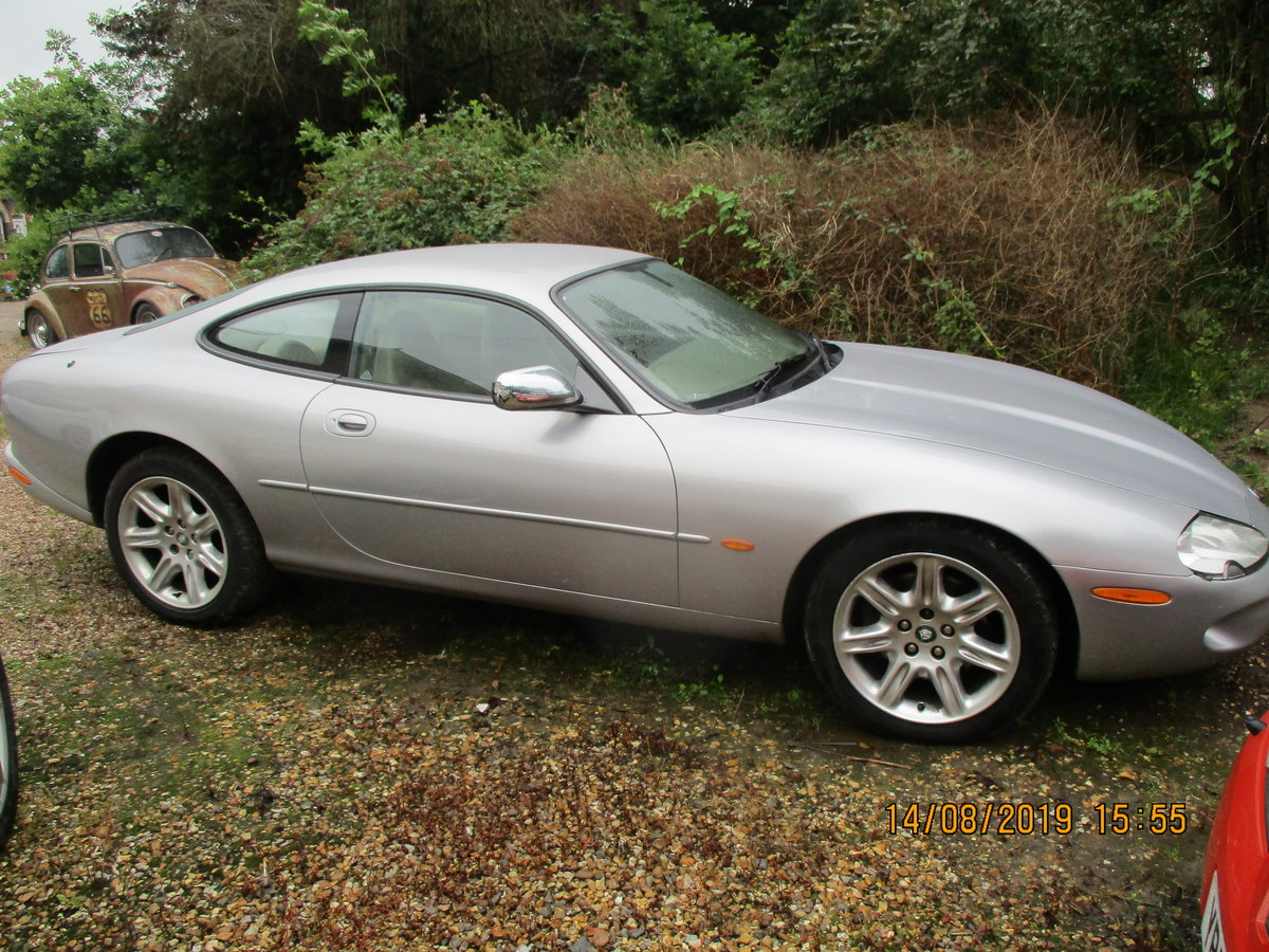 2000 XK8 COUPE 4LTR SPORTS CAR JUST 75,000 MILES F.S.H MOT AUGUST For Sale (picture 3 of 6)