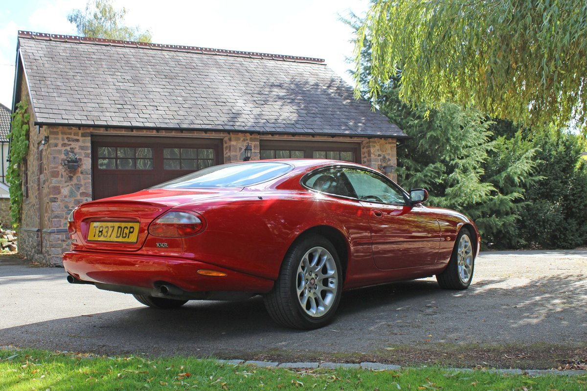 1999 Jaguar XKR 4.0 litre Coupe Price £8000 For Sale (picture 3 of 6)