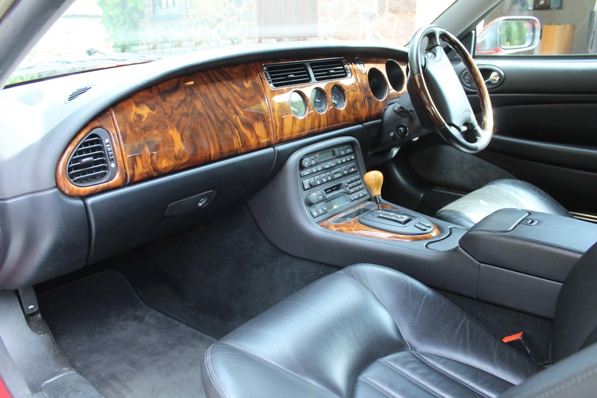1999 Jaguar XKR 4.0 litre Coupe Price £8000 For Sale (picture 5 of 6)