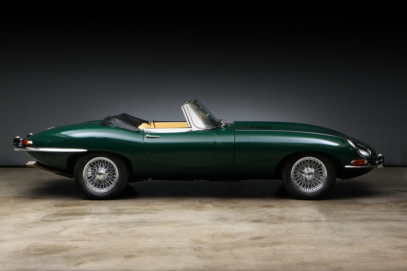 1965 Jaguar E-Type 1 Series 4.2 ltr Roadster For Sale (picture 2 of 6)