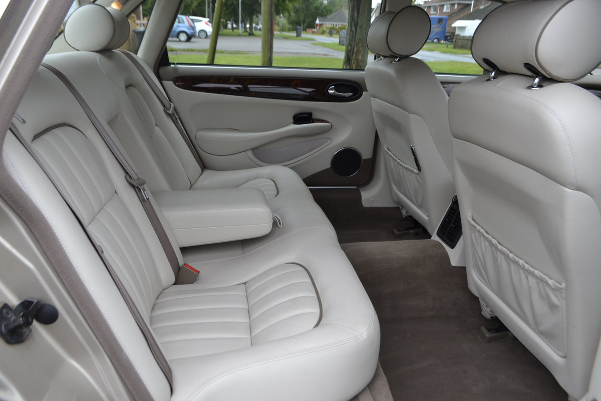 1998 Beautiful Sovereign LWB For Sale (picture 8 of 17)