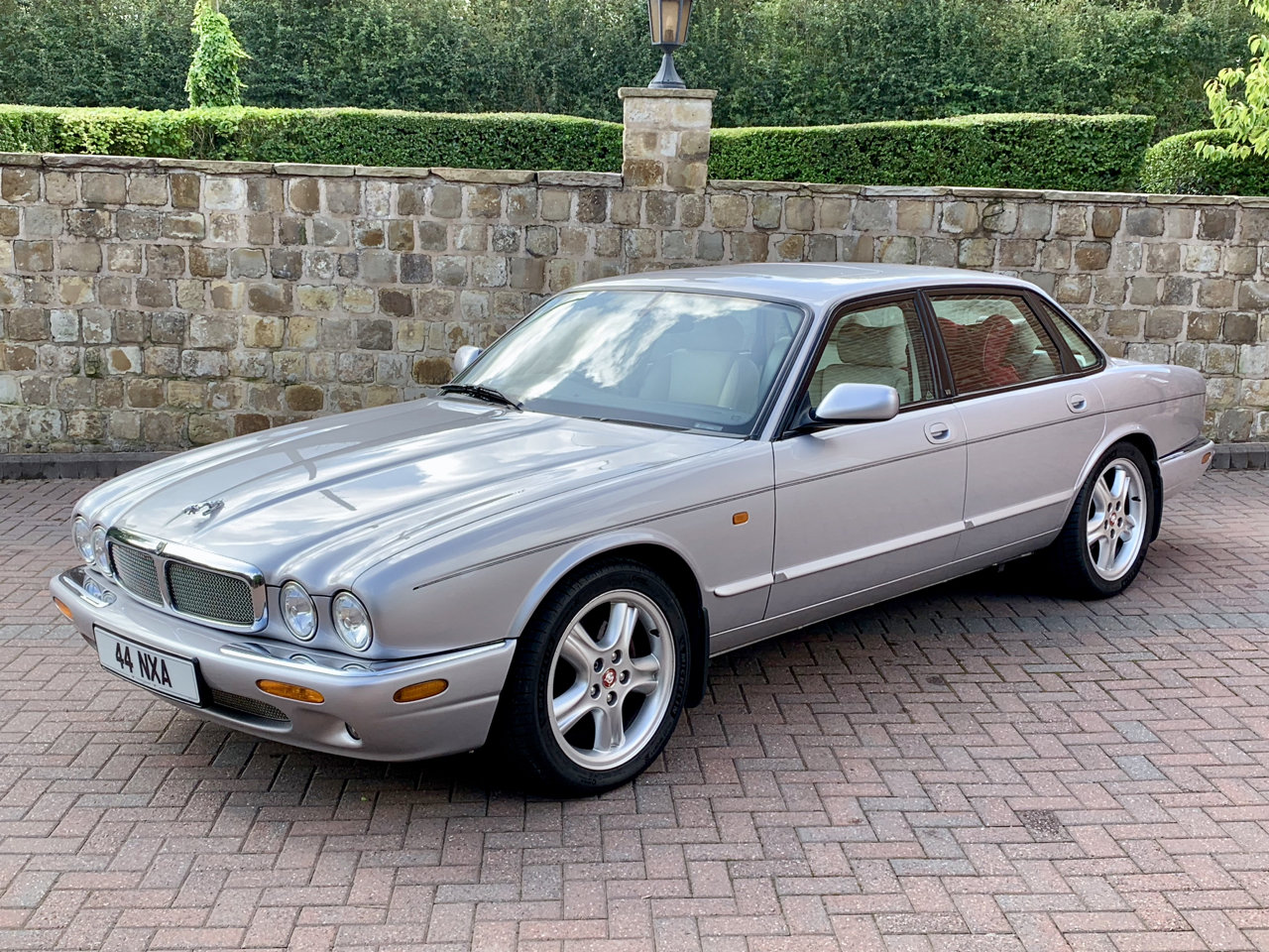 2002 Jag XJ8 4.0 V8 Sport - Swap Rolls or Classic Car For Sale (picture 1 of 6)
