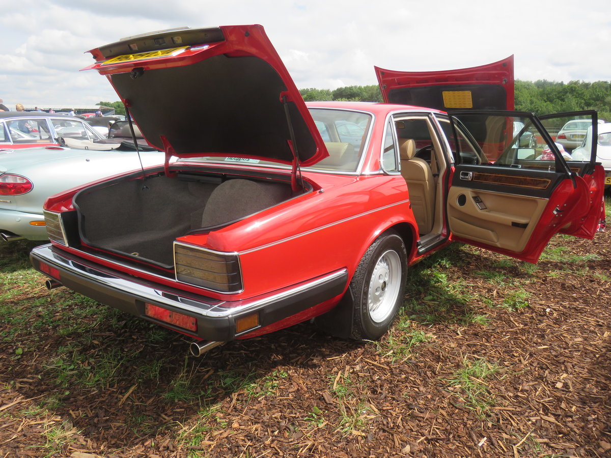 1990 1988 Jaguar XJ40 Museum standard prestine example For Sale (picture 6 of 6)