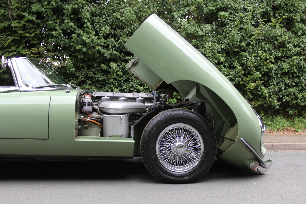 1968 Jaguar E-Type Series II 4.2 Roadster - Matching No's, Uk car For Sale (picture 23 of 24)