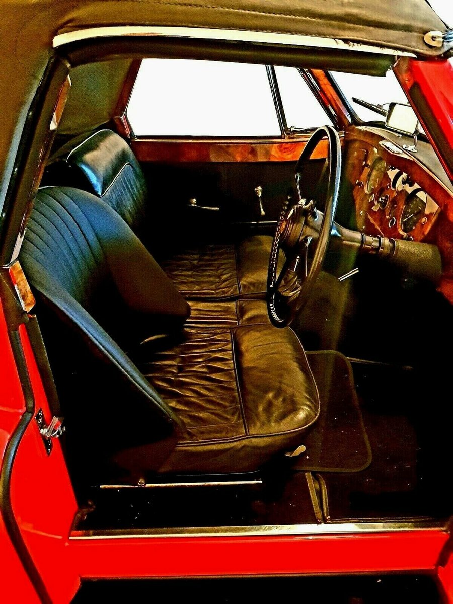 Offers 1954 Original RHD Jaguar XK120 DHC SE For Sale (picture 6 of 6)