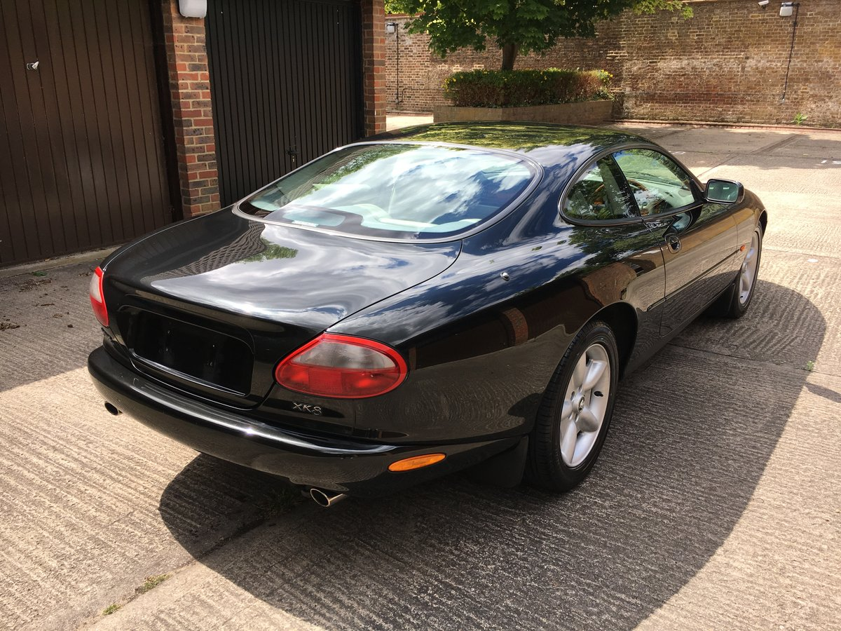 1997 Jaguar XK8 Classic 4.0 only 22463 miles from new! For Sale (picture 2 of 6)