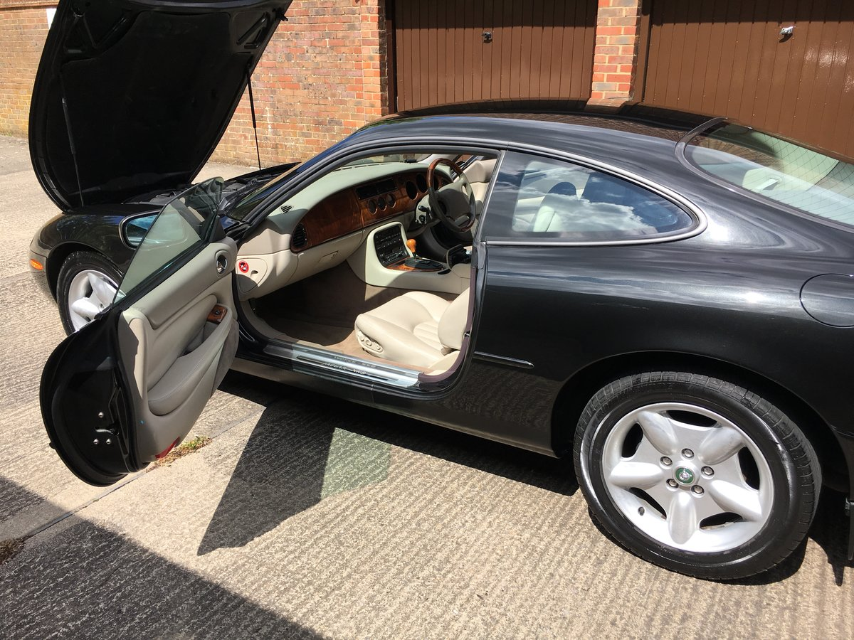 1997 Jaguar XK8 Classic 4.0 only 22463 miles from new! For Sale (picture 4 of 6)
