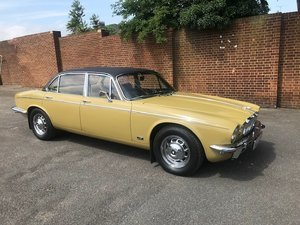 1974 Superb xj6 4.2 lwb collectors piece For Sale