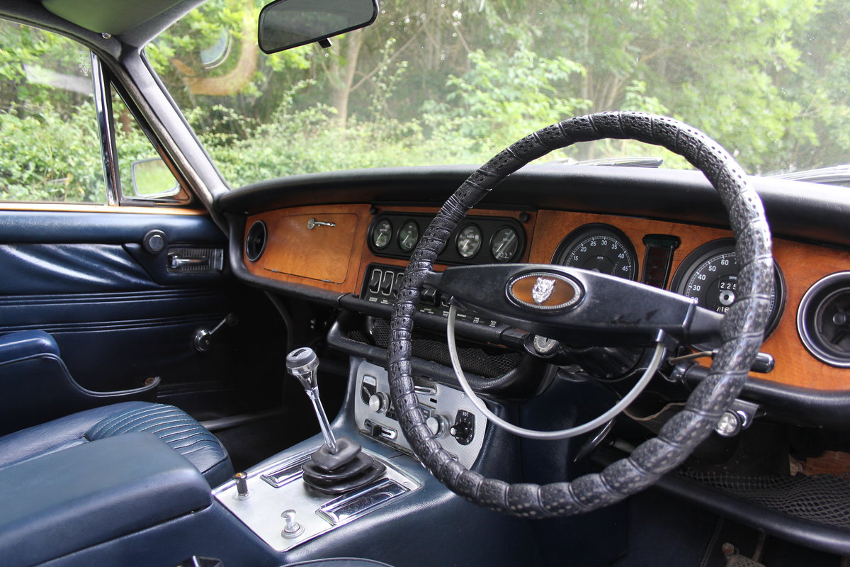 1972 Jaguar XJ6 Series I 4.2 Manual with Overdrive - Low miles For Sale (picture 8 of 21)