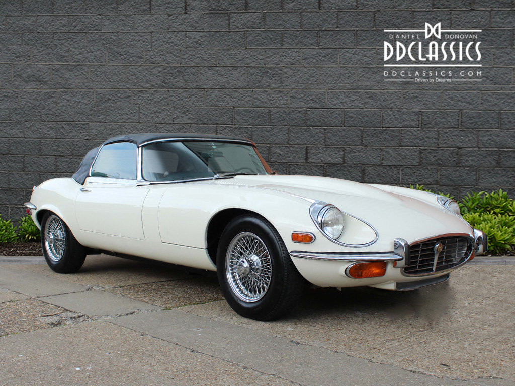 1974 Jaguar E-Type Series 3 V12 Roadster For Sale in London For Sale (picture 2 of 24)