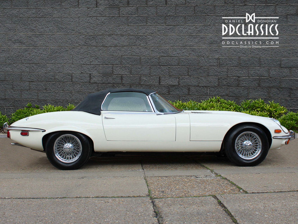 1974 Jaguar E-Type Series 3 V12 Roadster For Sale in London For Sale (picture 5 of 24)