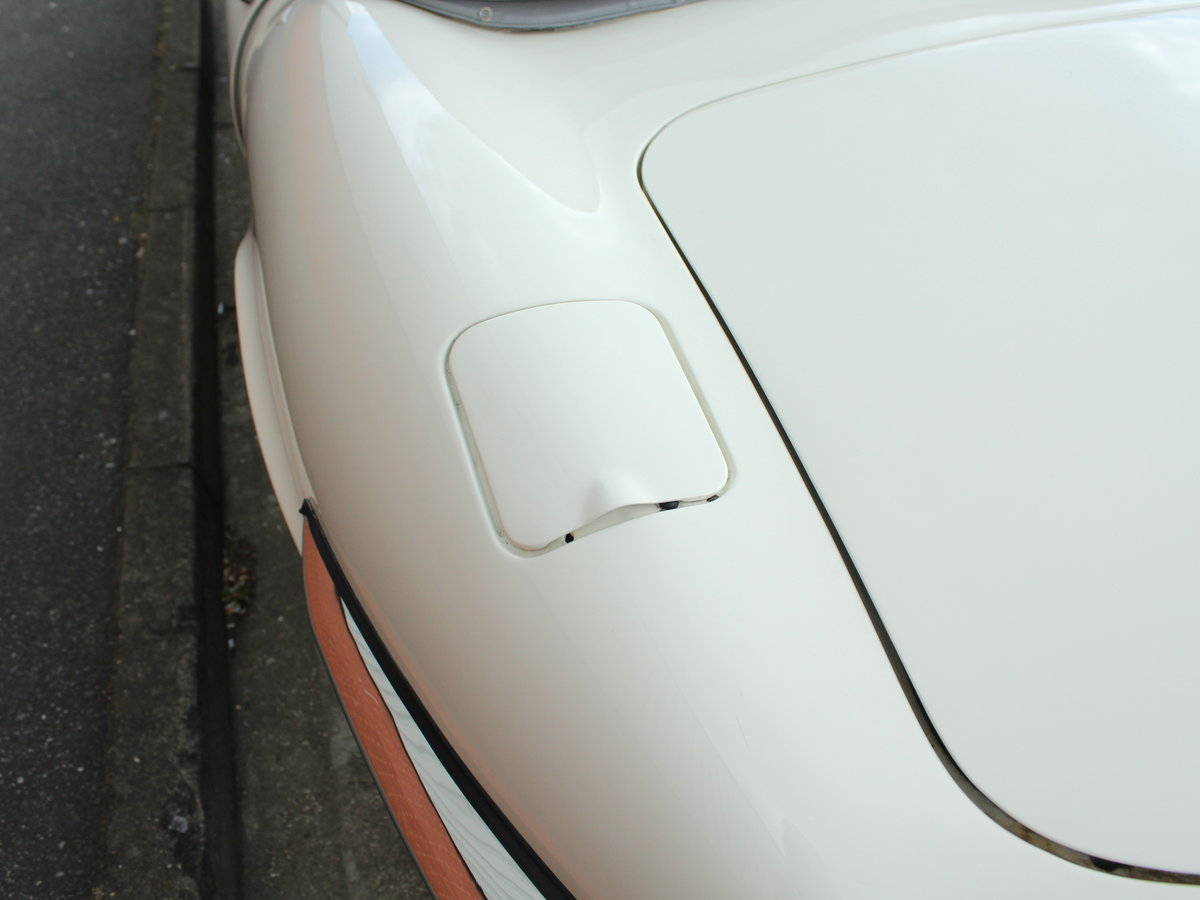 1974 Jaguar E-Type Series 3 V12 Roadster For Sale in London For Sale (picture 11 of 24)