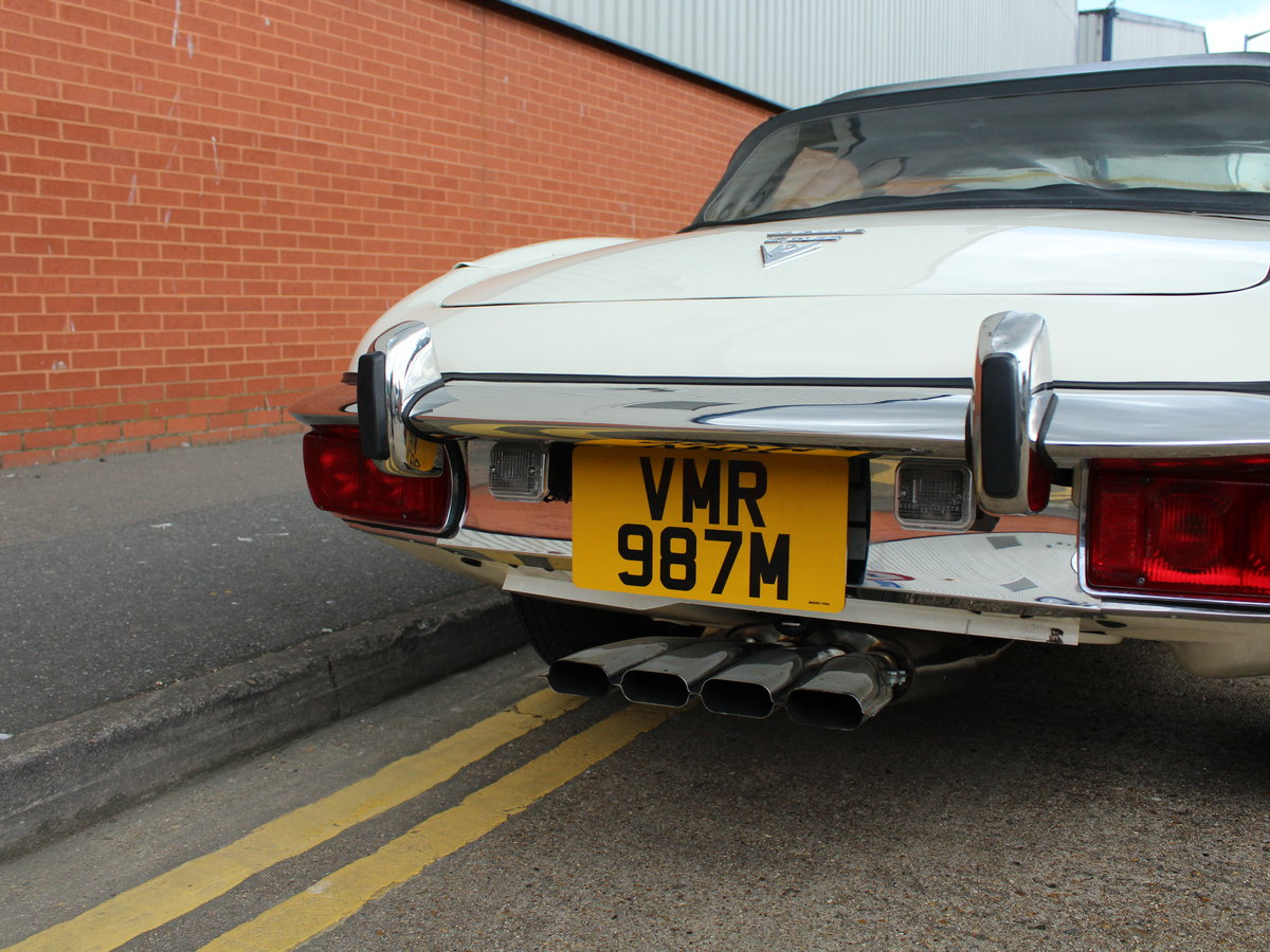 1974 Jaguar E-Type Series 3 V12 Roadster For Sale in London For Sale (picture 14 of 24)