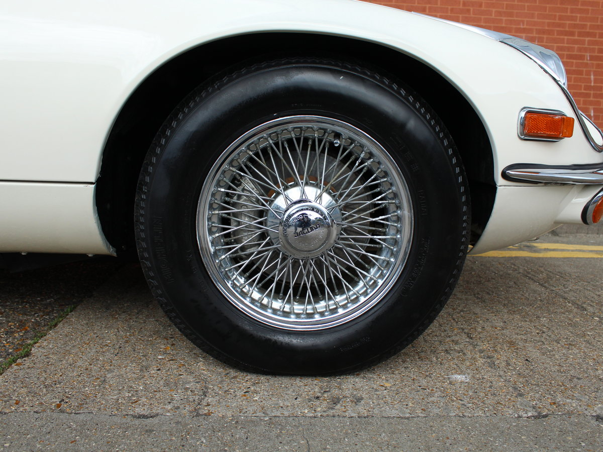1974 Jaguar E-Type Series 3 V12 Roadster For Sale in London For Sale (picture 15 of 24)