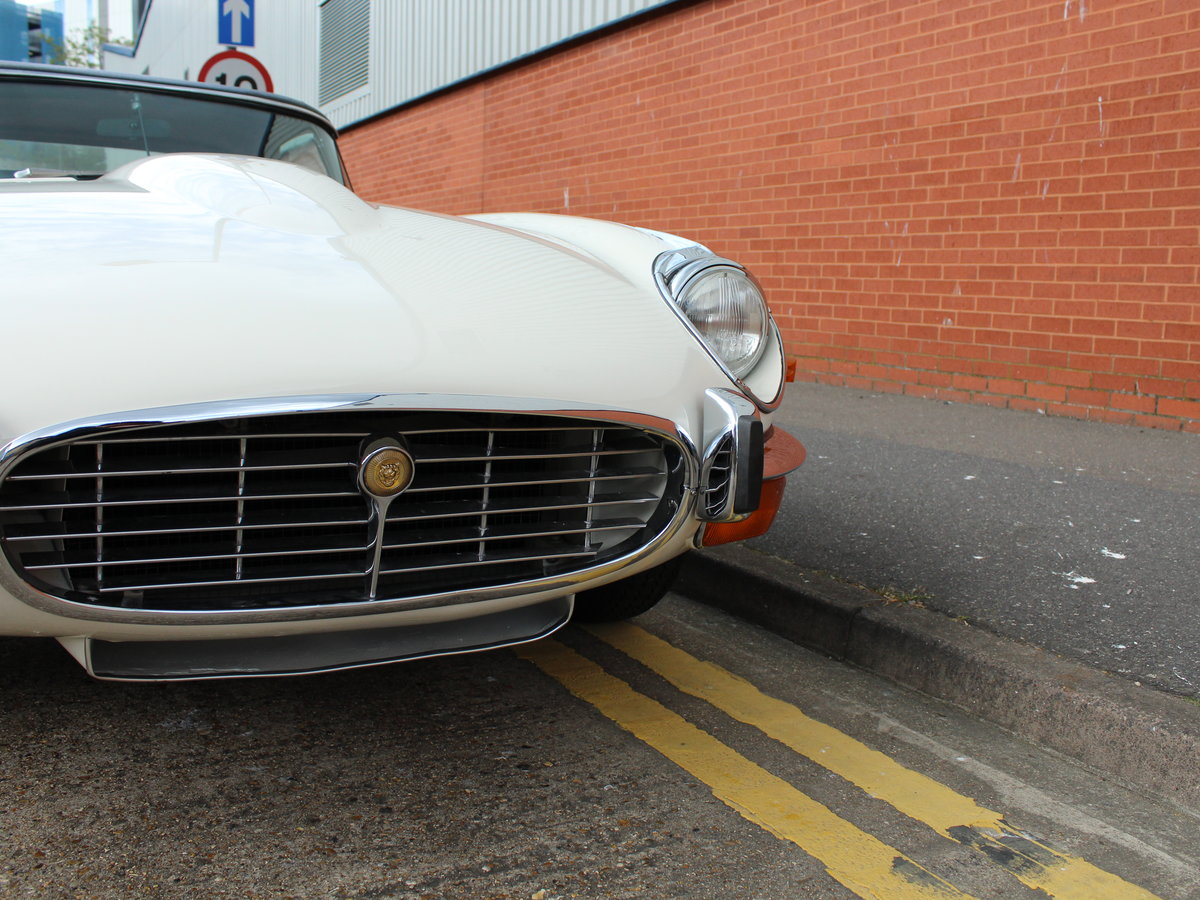 1974 Jaguar E-Type Series 3 V12 Roadster For Sale in London For Sale (picture 16 of 24)
