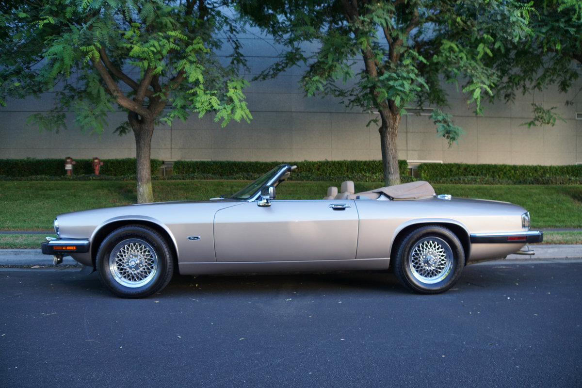 1992 Jaguar XJS 5.3L V12 Convertible with 30K orig miles For Sale (picture 3 of 6)
