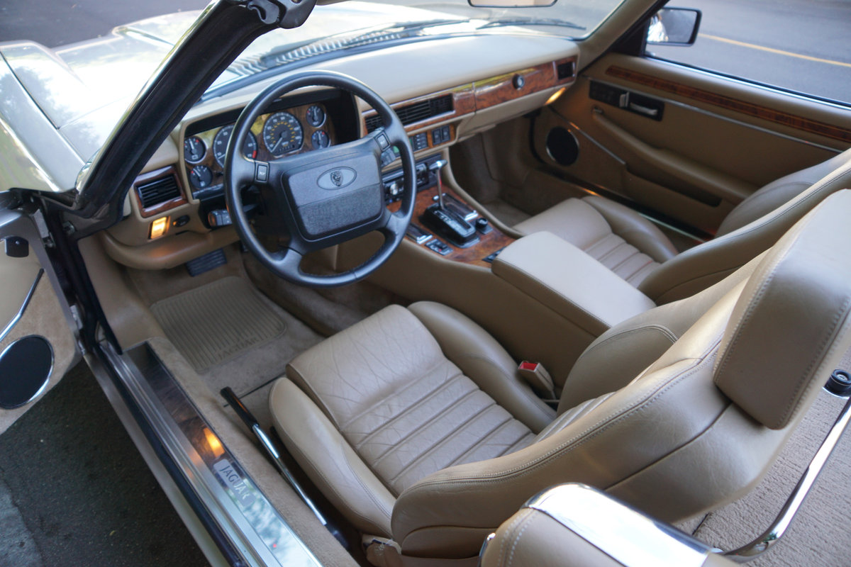 1992 Jaguar XJS 5.3L V12 Convertible with 30K orig miles For Sale (picture 5 of 6)