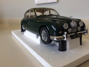 Model-Icons 1:18 scale Jaguar MkII