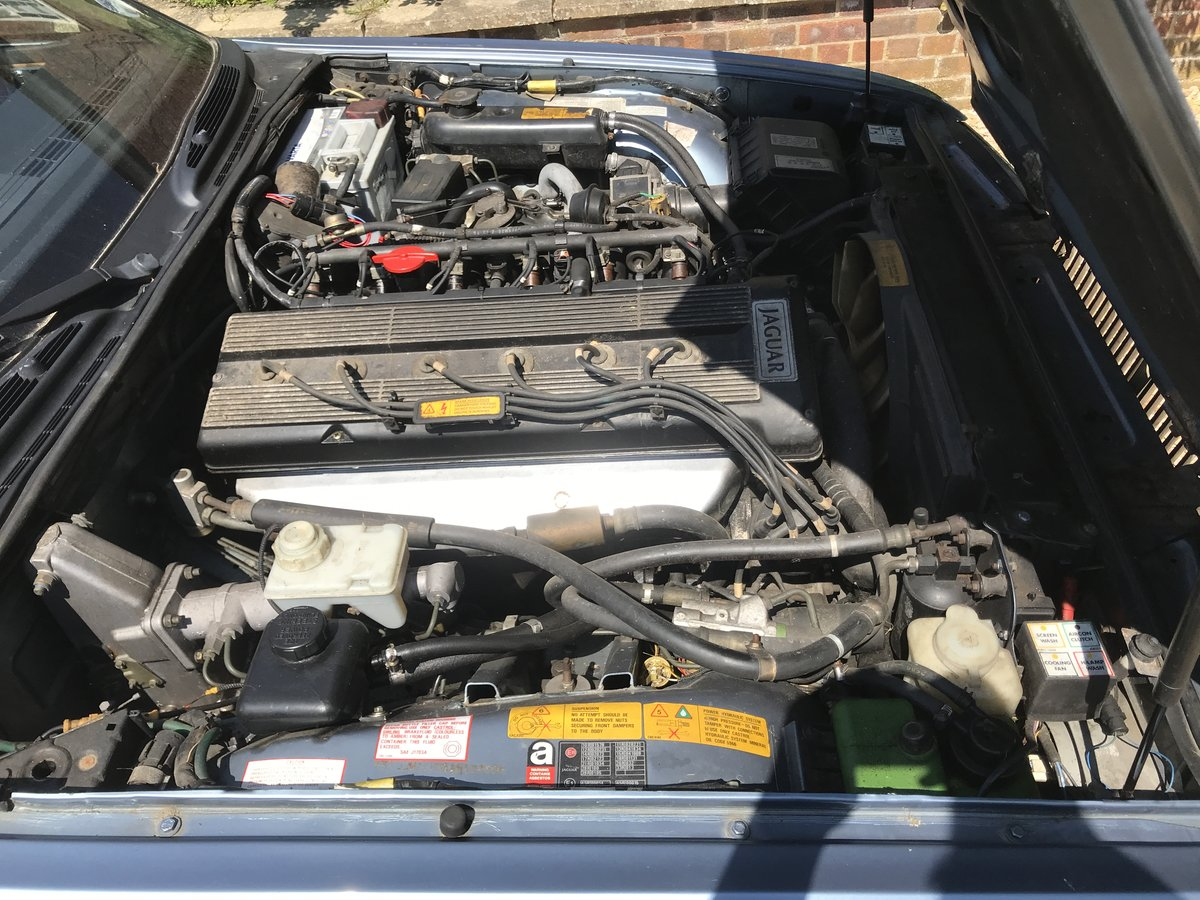 1989 Jaguar XJ40 Sovereign 3.6 Spares or Repairs For Sale (picture 3 of 6)