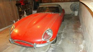 1961, flat floor Jaguar e type roadster  For Sale