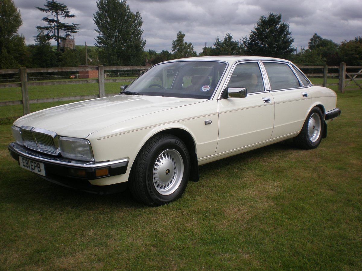 1987 Jaguar XJ40 Sovereign 3.6, 37k miles from new For Sale (picture 1 of 6)