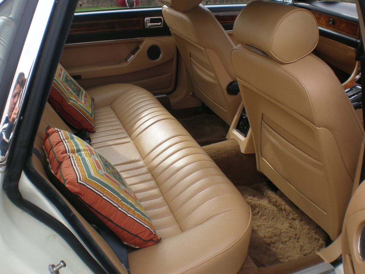 1987 Jaguar XJ40 Sovereign 3.6, 37k miles from new For Sale (picture 4 of 6)
