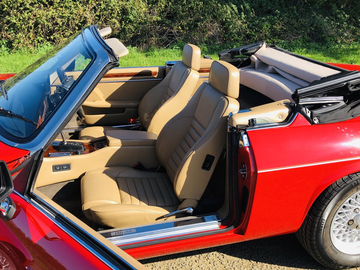 1989 Jaguar XJS 5.3L V12 Convertible 18000 miles only. For Sale (picture 4 of 6)