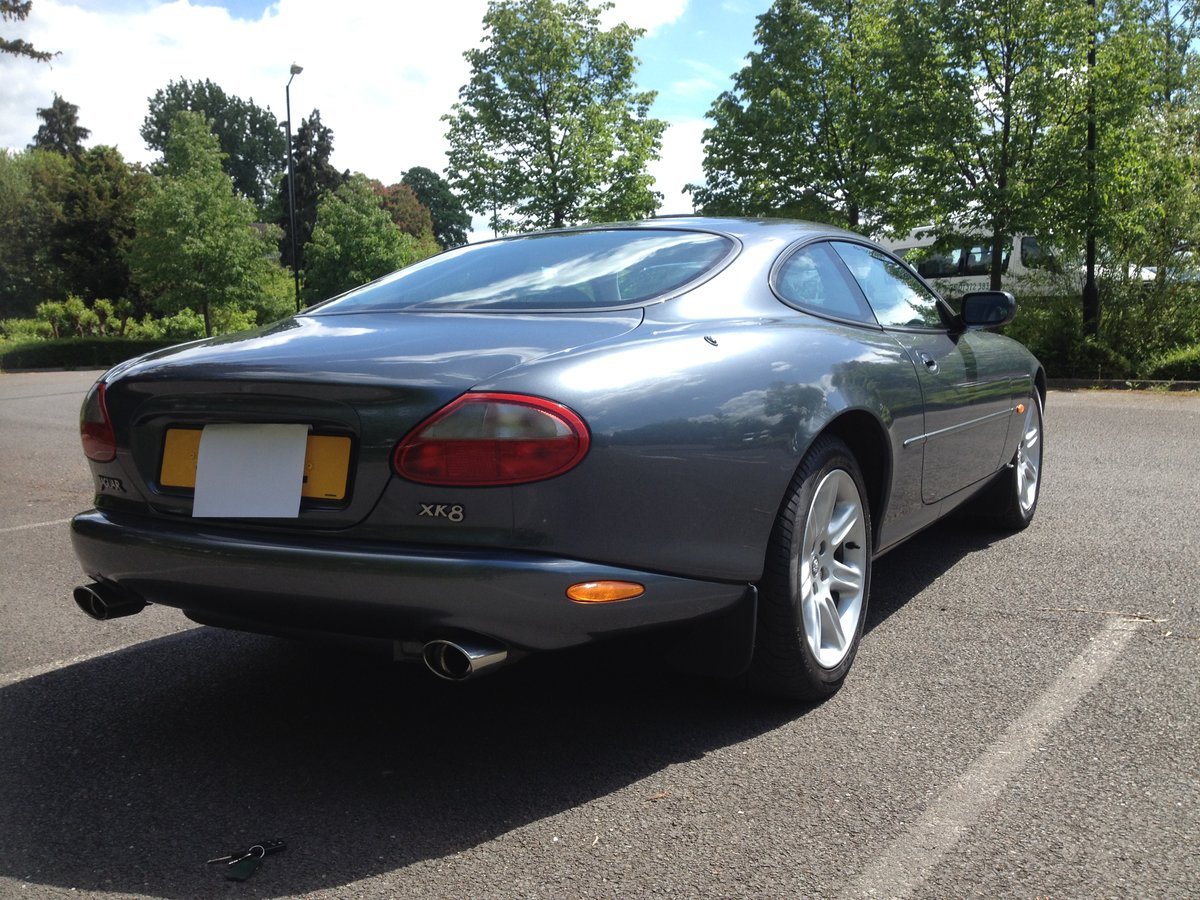 1997 Jaguar XK8 coupe 4.0L in very good condition For Sale (picture 3 of 6)