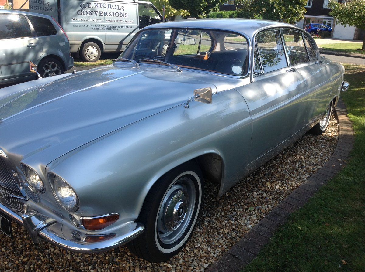 1963 Jaguar Mk10 manual 5 speed Silver one previous own For Sale (picture 1 of 6)