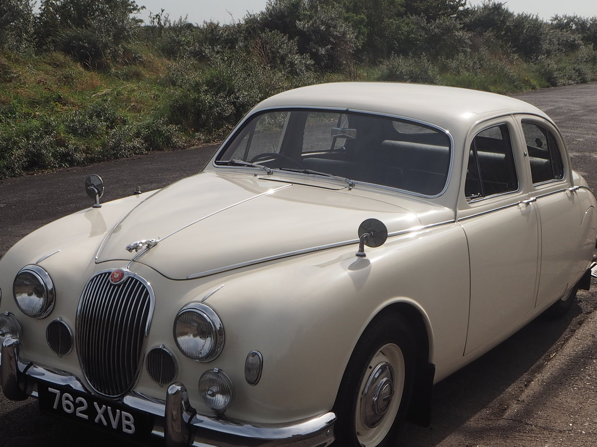 1958 Jaguar Mark 1 in pristine condition For Sale (picture 2 of 6)