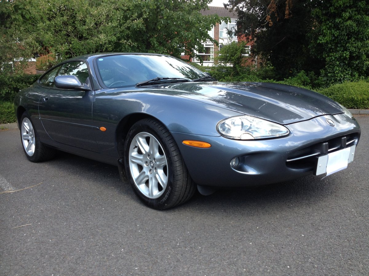 1997 Jaguar XK8 coupe 4.0L in very good condition For Sale (picture 1 of 6)