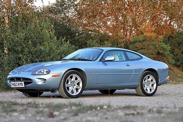 1997 Jaguar XK8 4.0 Coupe (Just 64,000 Miles) For Sale (picture 3 of 6)