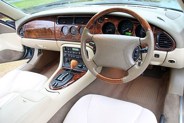 1997 Jaguar XK8 4.0 Coupe (Just 64,000 Miles) For Sale (picture 4 of 6)