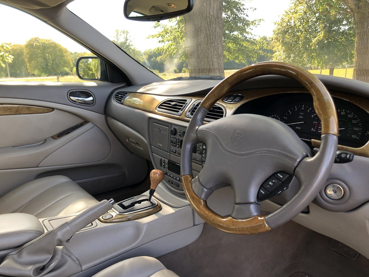 1999 Jaguar S-type V8 Saloon For Sale (picture 4 of 6)