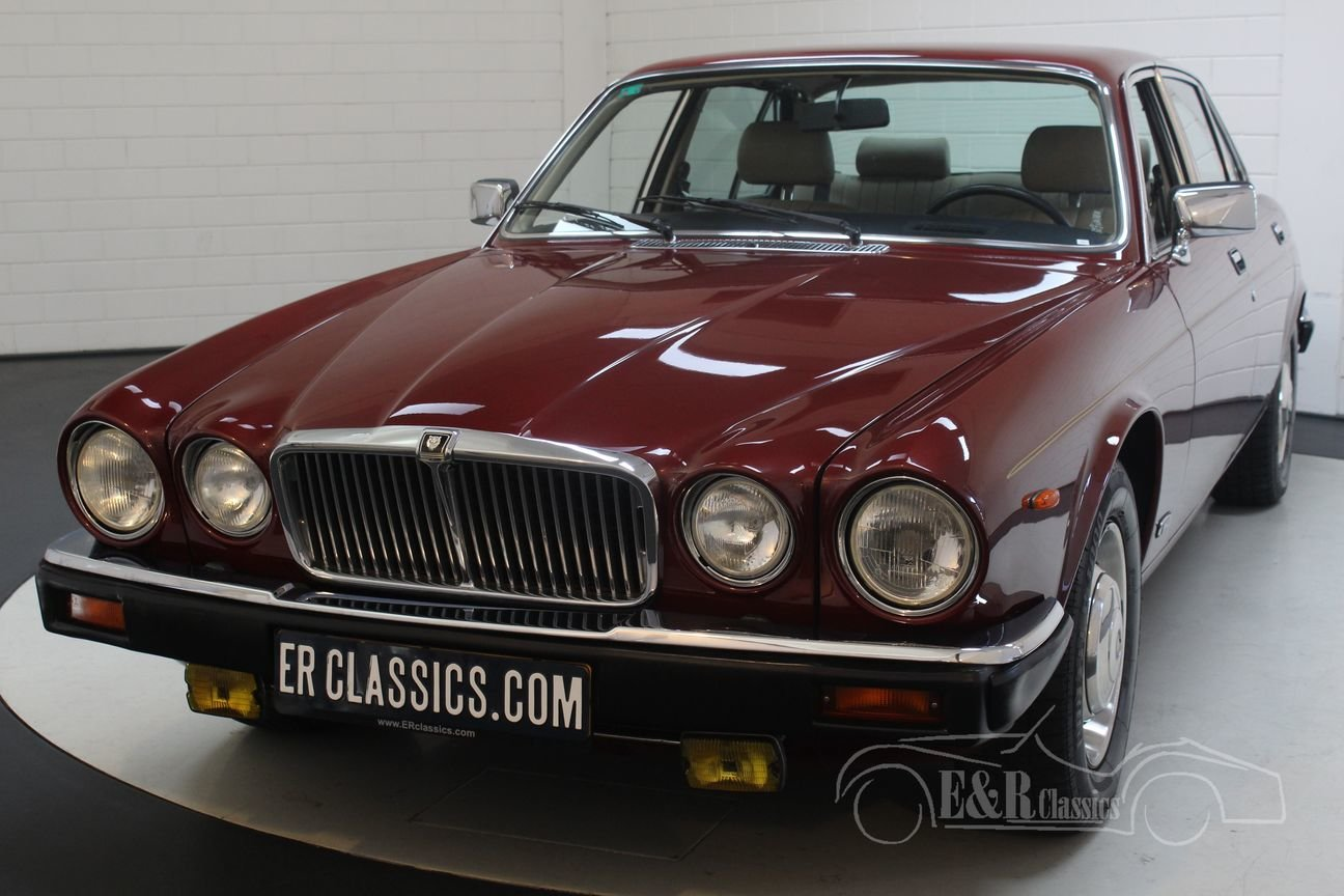 Jaguar XJ6 4.2 Sovereign 1986 Automatic gearbox, new paint For Sale (picture 4 of 6)