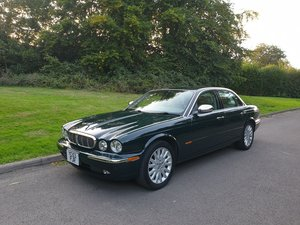 2004 Low Miles.. Superb Example.. Jaguar XJ8 3.5 V8.. Bargain. For Sale
