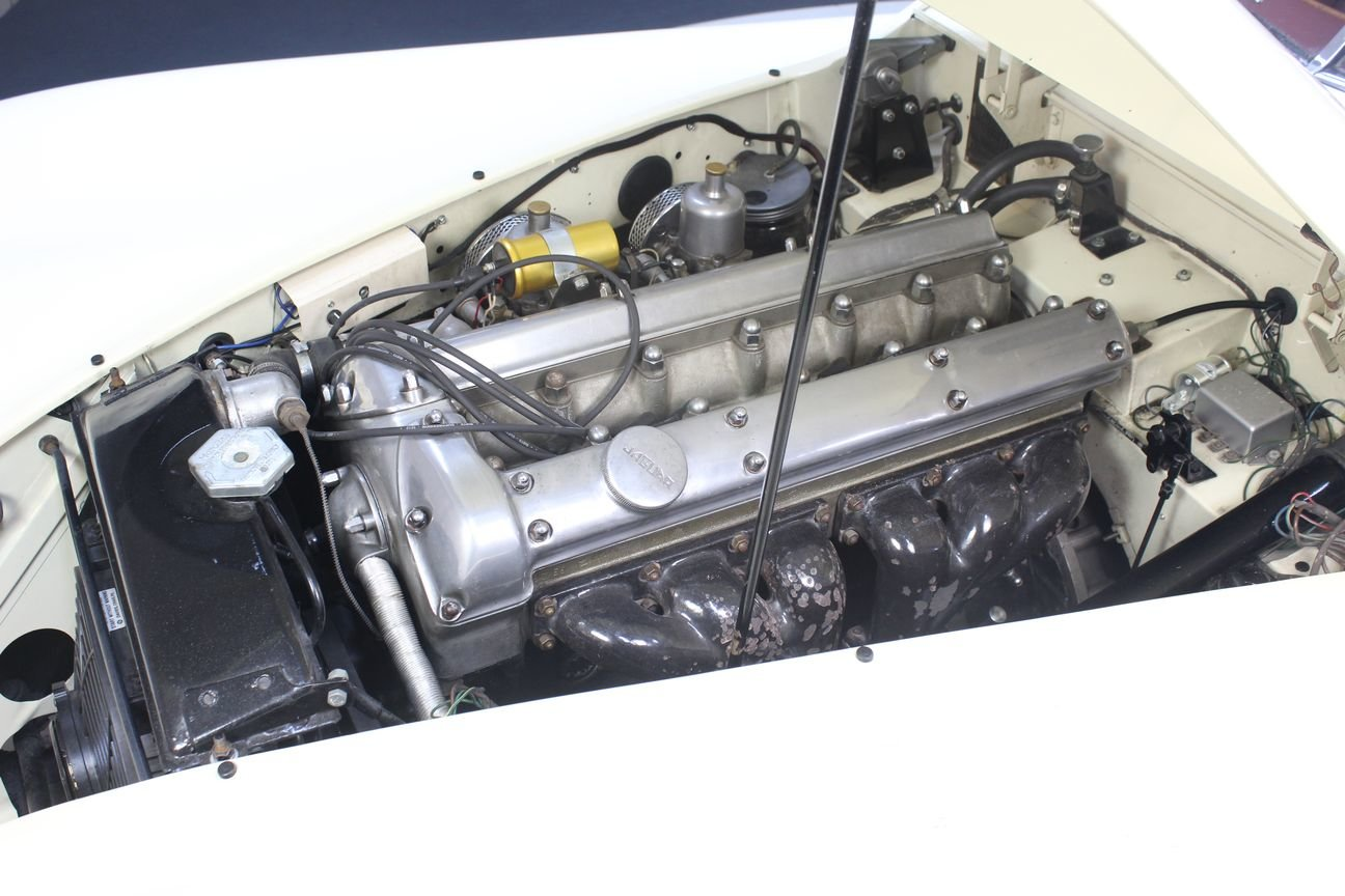 Jaguar XK 120 DHC 1954 Body off restored For Sale (picture 4 of 6)
