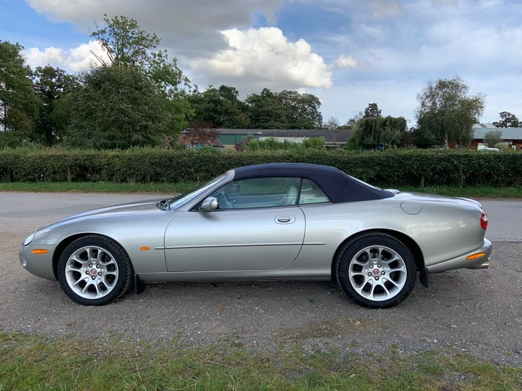 1999 Jaguar XKR Convertible For Sale by Auction (picture 1 of 6)