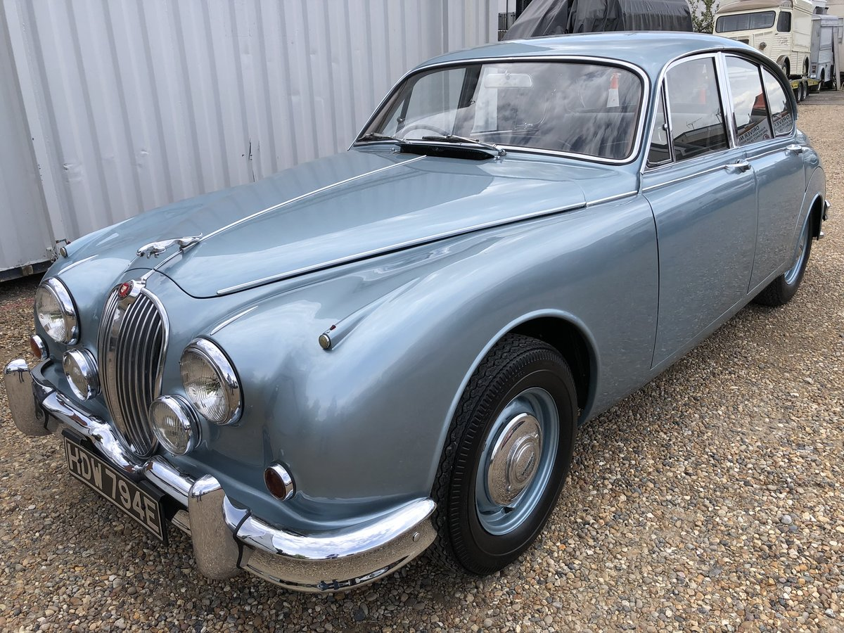 1967 JAGUAR MK2 2.4 Manual Overdrive Estimate £12-15000 For Sale by Auction (picture 1 of 6)
