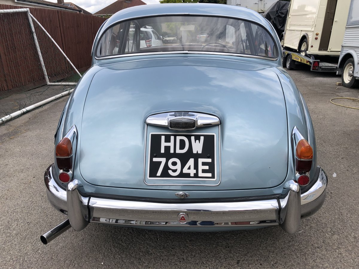1967 JAGUAR MK2 2.4 Manual Overdrive Estimate £12-15000 For Sale by Auction (picture 3 of 6)