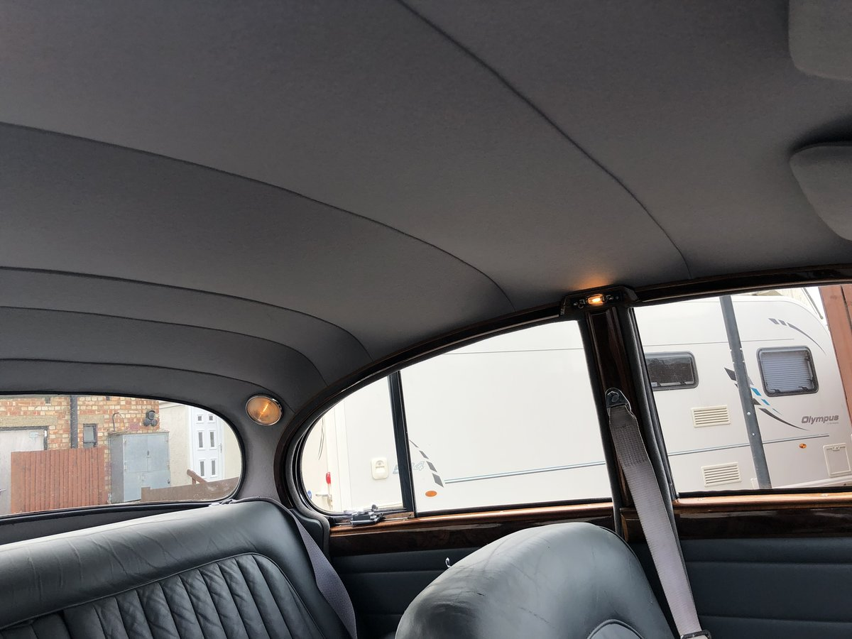 1967 JAGUAR MK2 2.4 Manual Overdrive Estimate £12-15000 For Sale by Auction (picture 5 of 6)